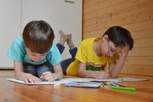 jak przygotować dziecko z autyzmem do przeprowadzki